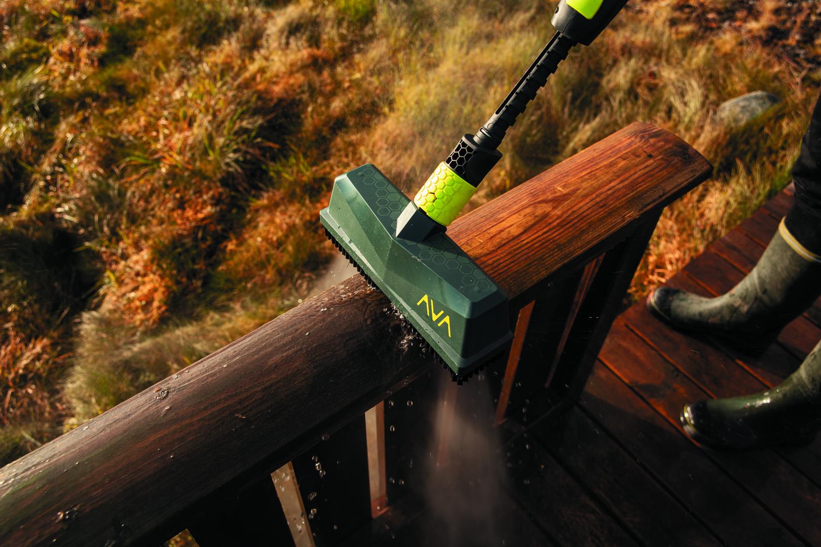 AVA Facade Brush